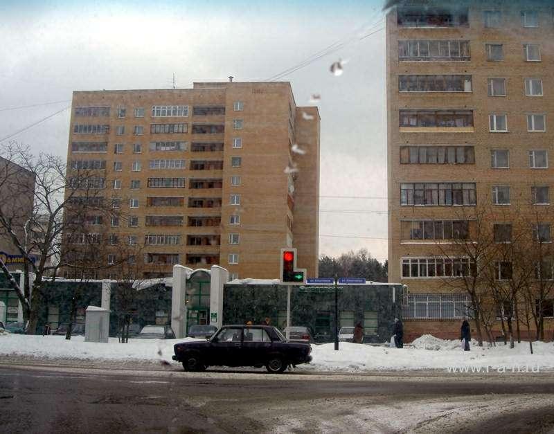 Поворот на улицу Свердлова с улицы Крупешина